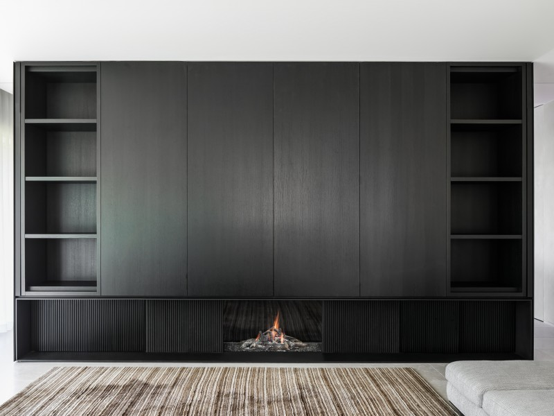 Avenue_Closed_Gas_fireplace_custom made